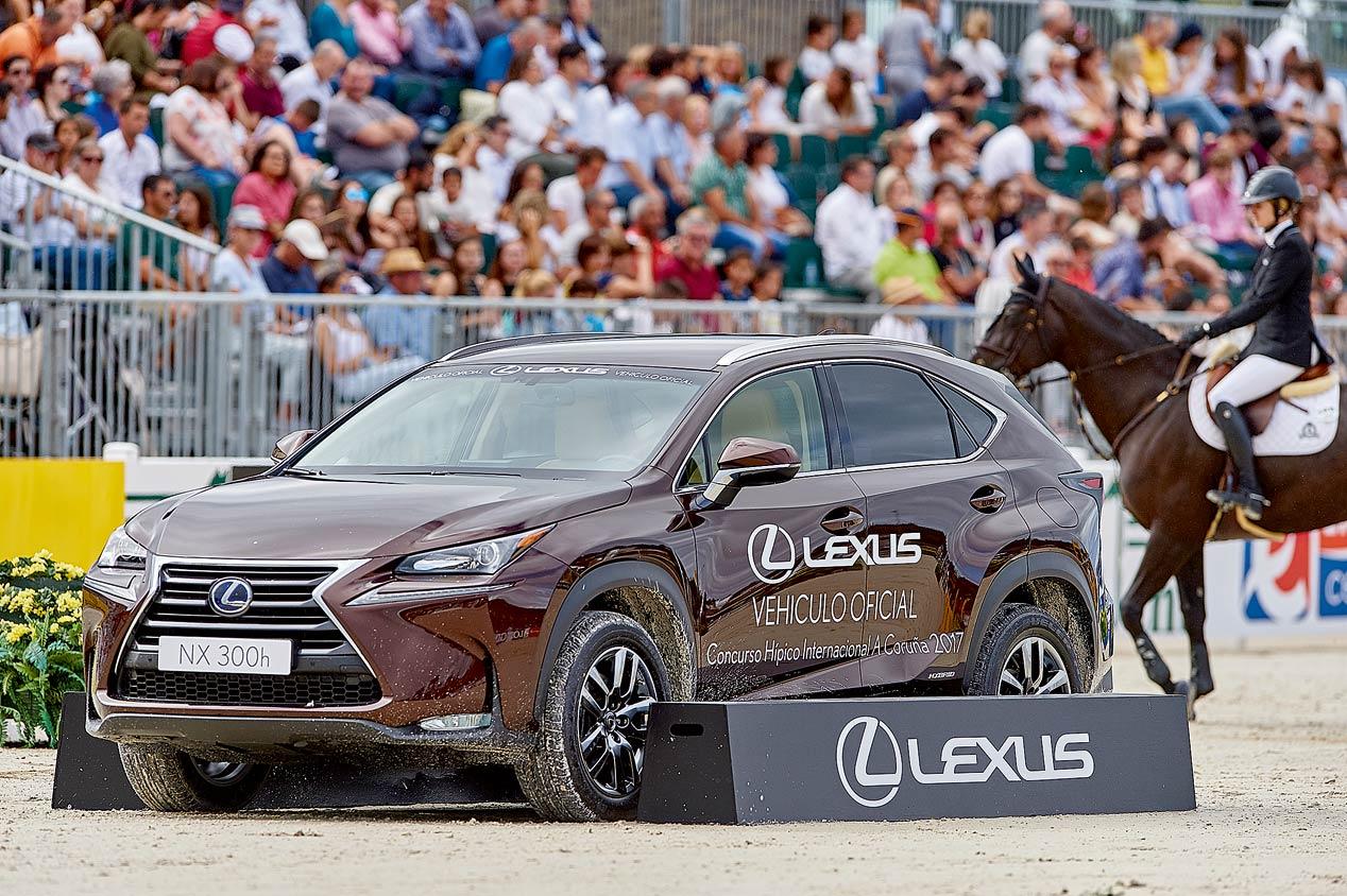 Lexus, presente en el concurso de saltos Casas Novas