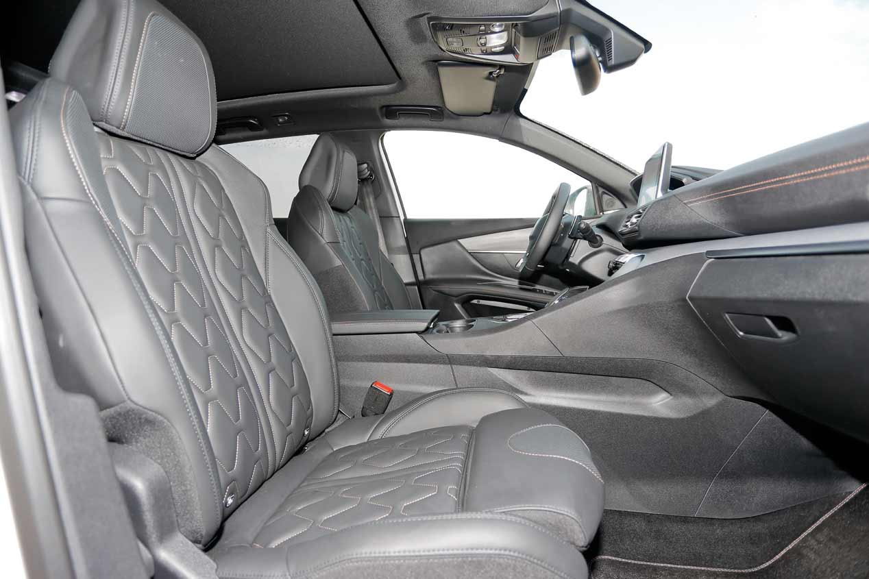 Peugeot 3008 BlueHDI 180 vs Seat León X-Perience TDI 184