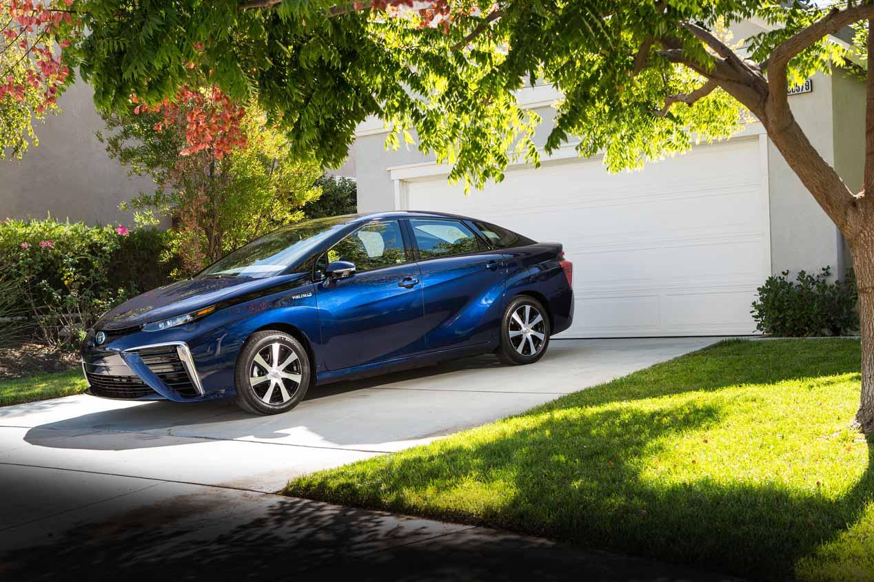 Toyota arropa a Mazda para desarrollar una familia de coches eléctricos