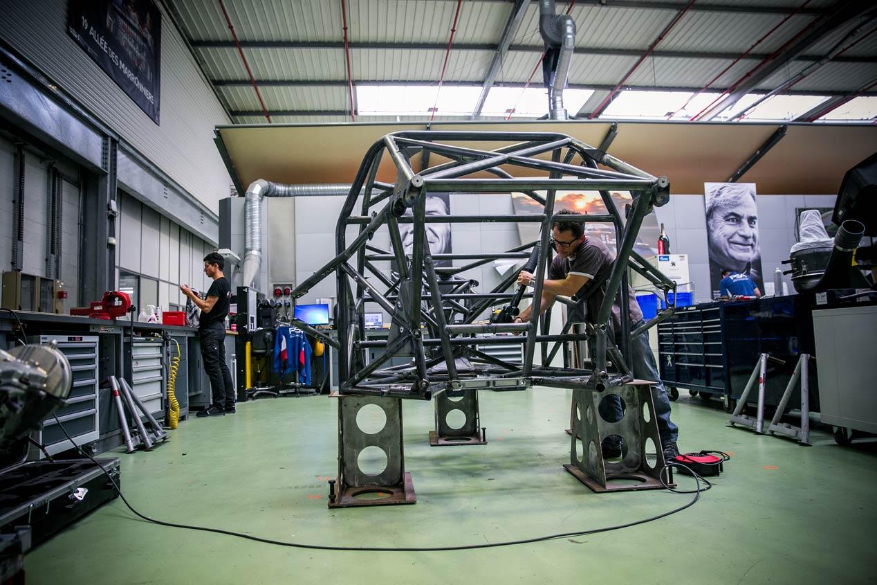 Una mirada al próximo Dakar con Carlos Sainz y Peugeot