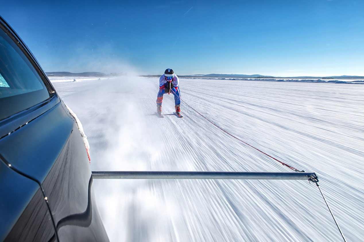 Jaguar XF Sportbrake, pieza clave en el récord de velocidad sobre esquís