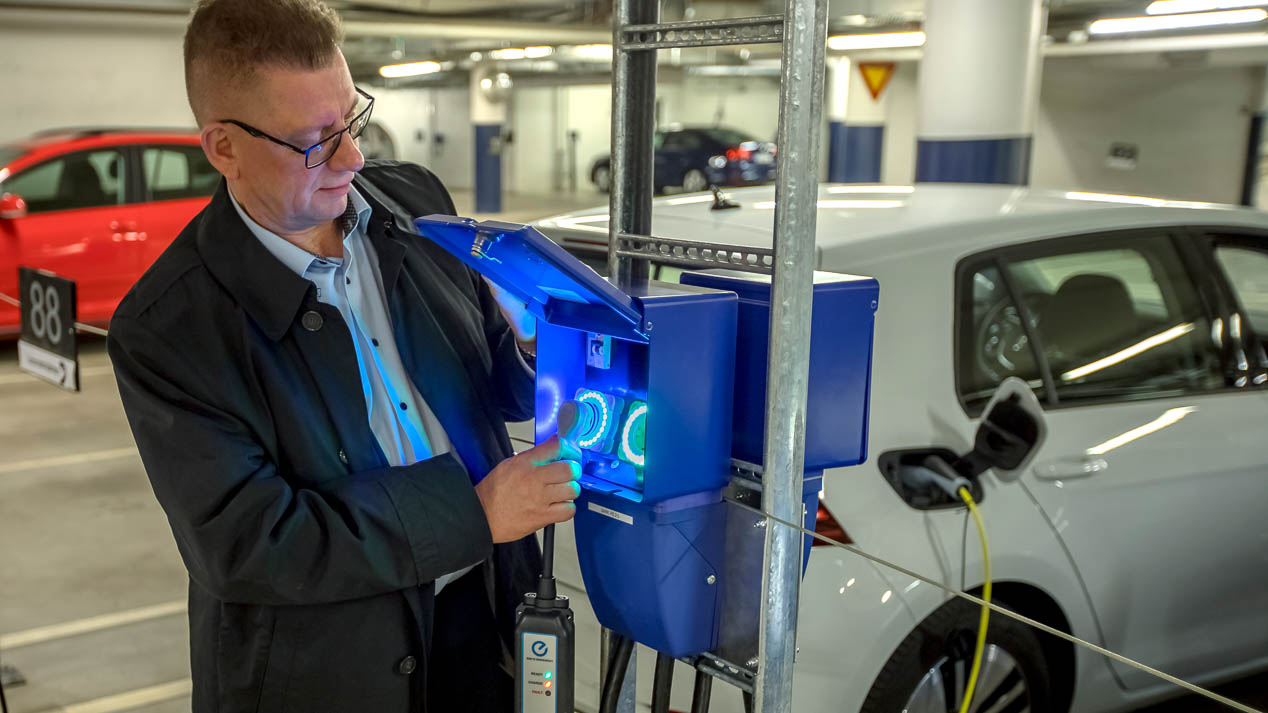 Revolución en los cargadores de los coches eléctricos