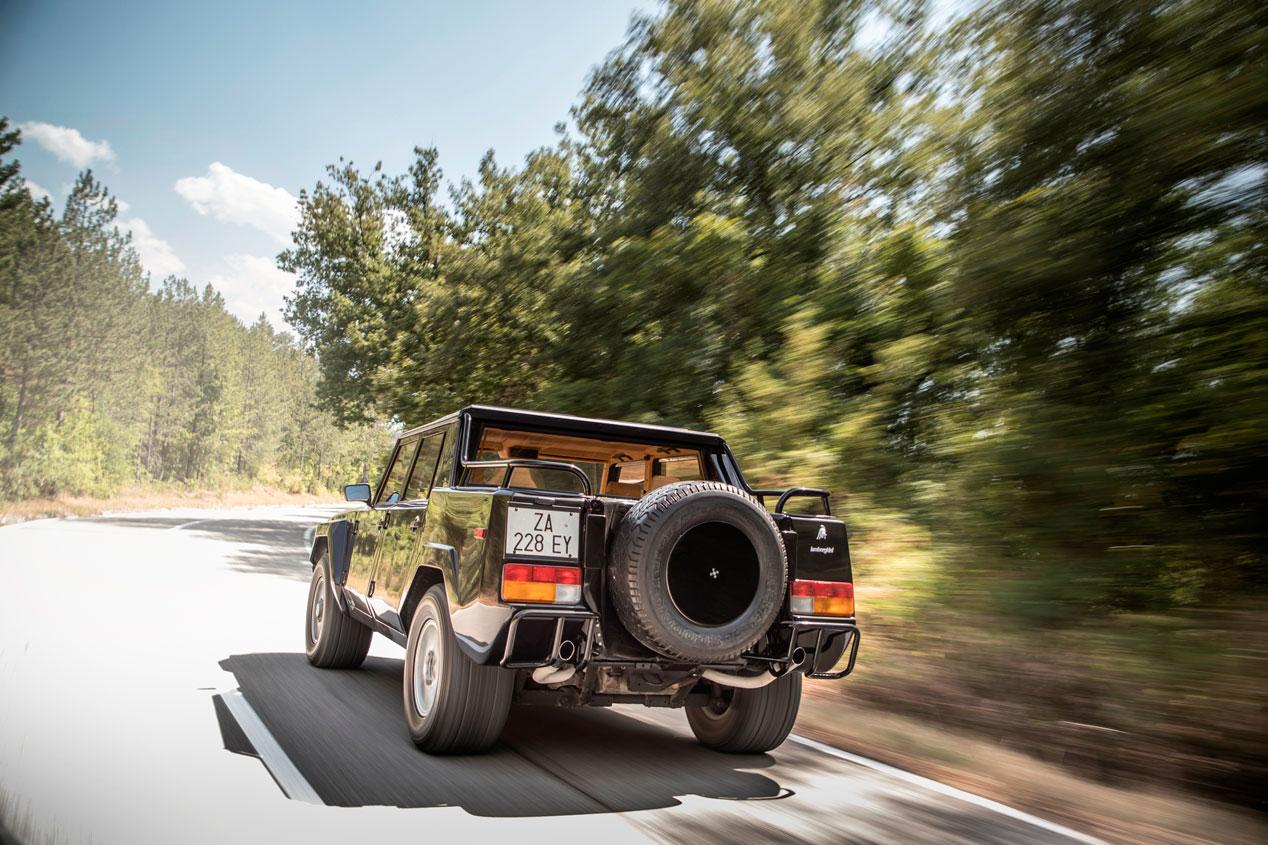 """El Lamborghini LM002, en imágenes: el """"padre"""" del nuevo SUV Urus"""