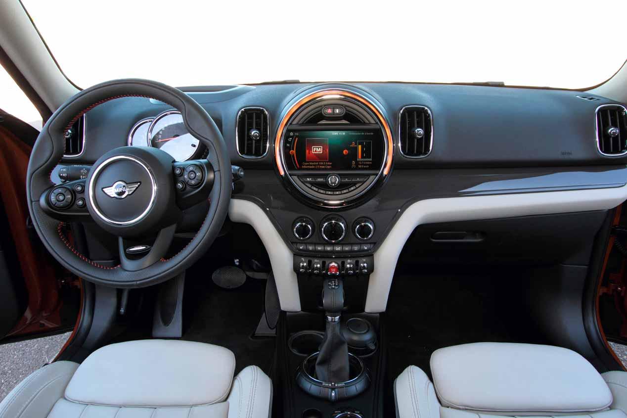 Comparativa SUV: Toyota C-HR vs Mini Countryman