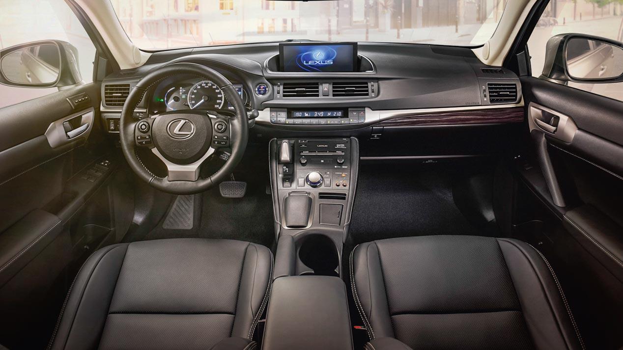 Probamos el nuevo Lexus CT 200h 2018. Mejoras en diseño y equipamiento