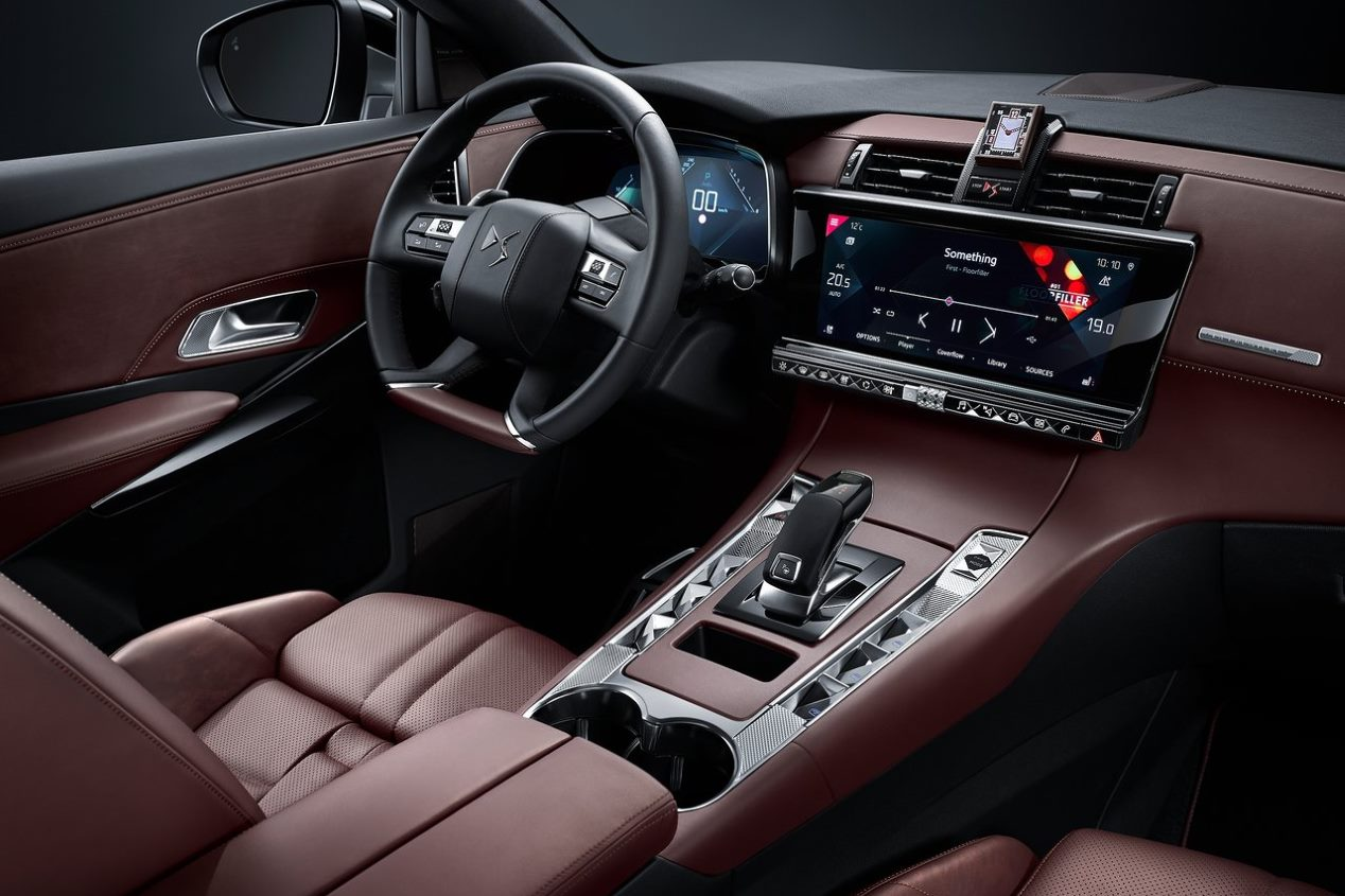 DS interior SUV