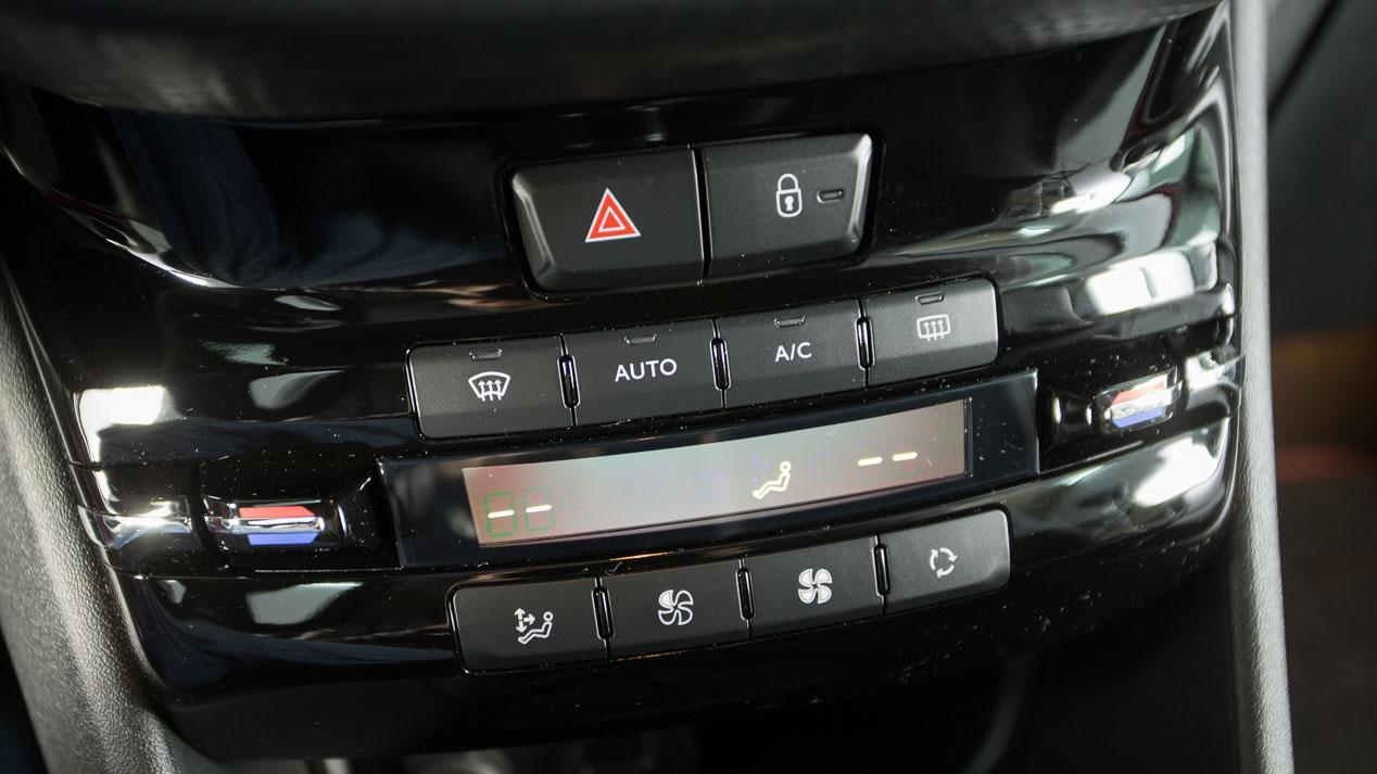 Seat Arona, Renault Captur y Peugeot 2008: comparativa de SUV gasolina
