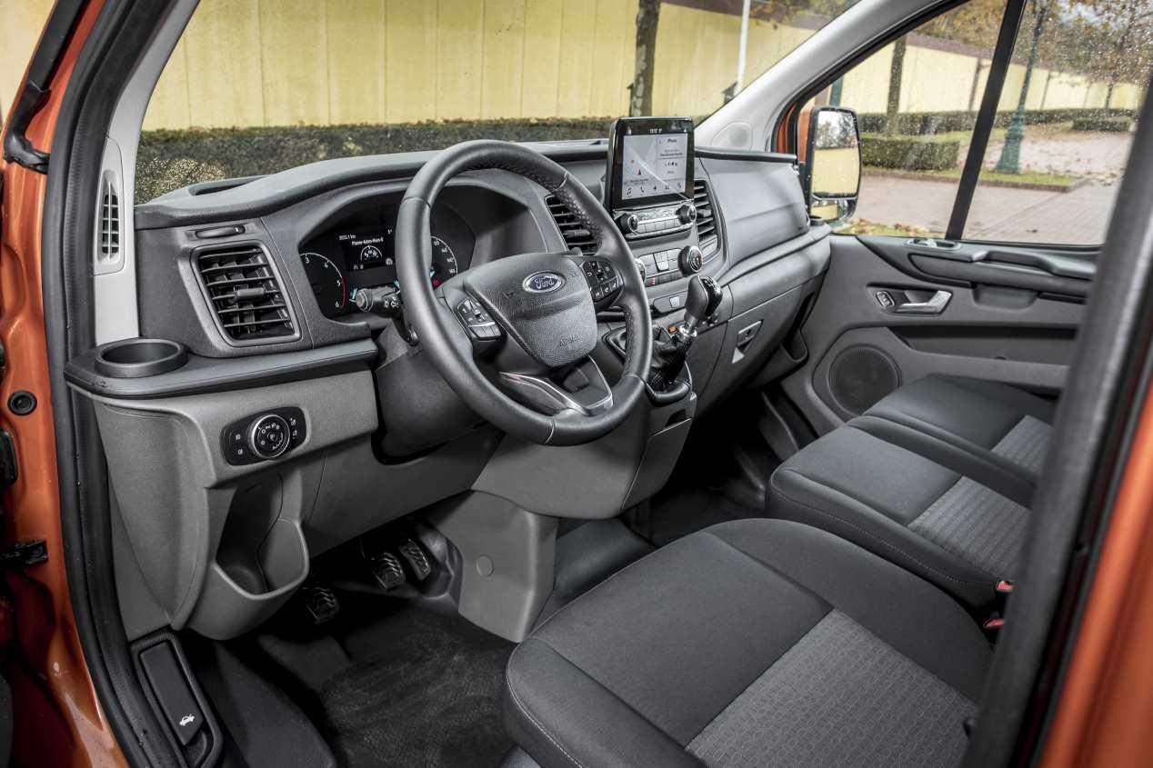Nuevo Ford Transit Custom 2018: cambios en la furgoneta más vendida