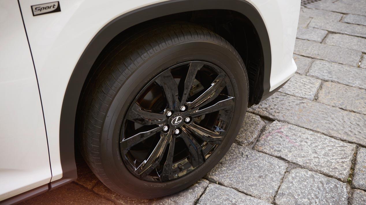 Lexus LF-1 Limitless: un SUV aún más lujoso que el RX