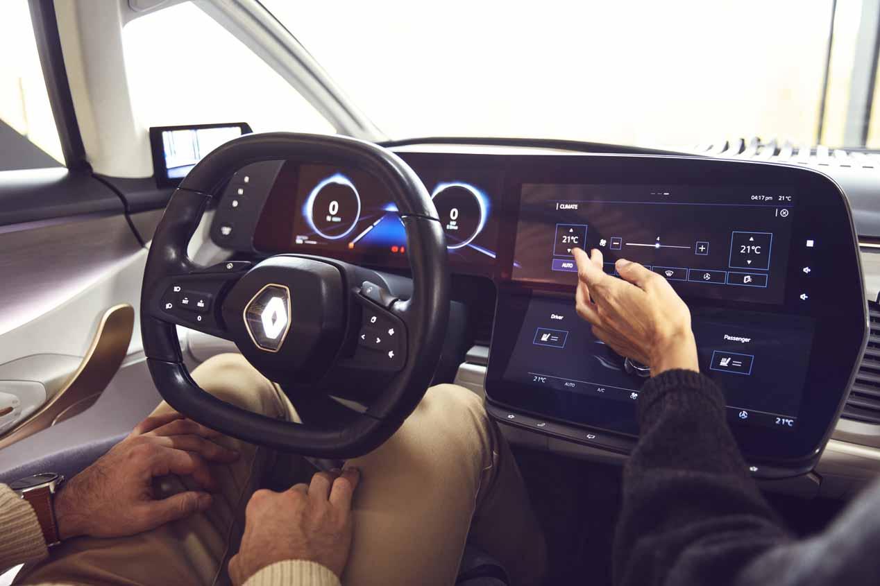Probamos el Renault Symbioz de conducción autónoma: con cascos y sin manos