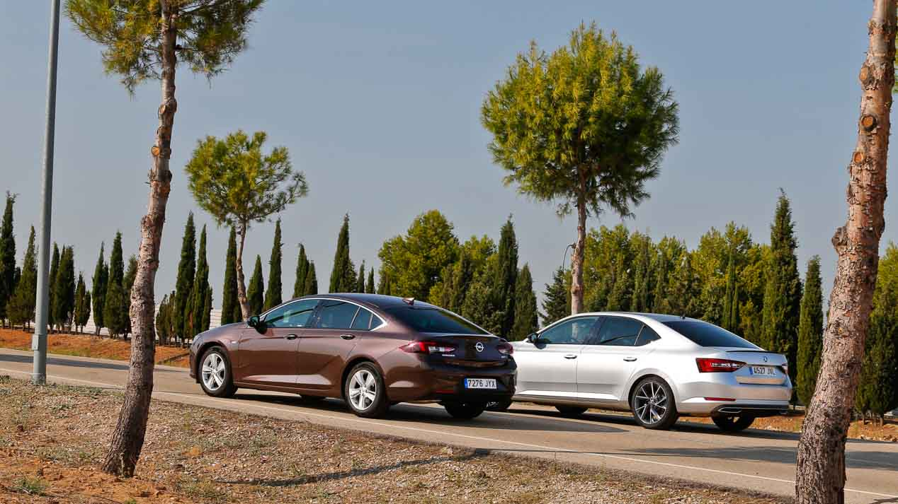 Comparativa: Opel Insignia 1.5 Turbo vs Skoda Superb 1.4 TSI