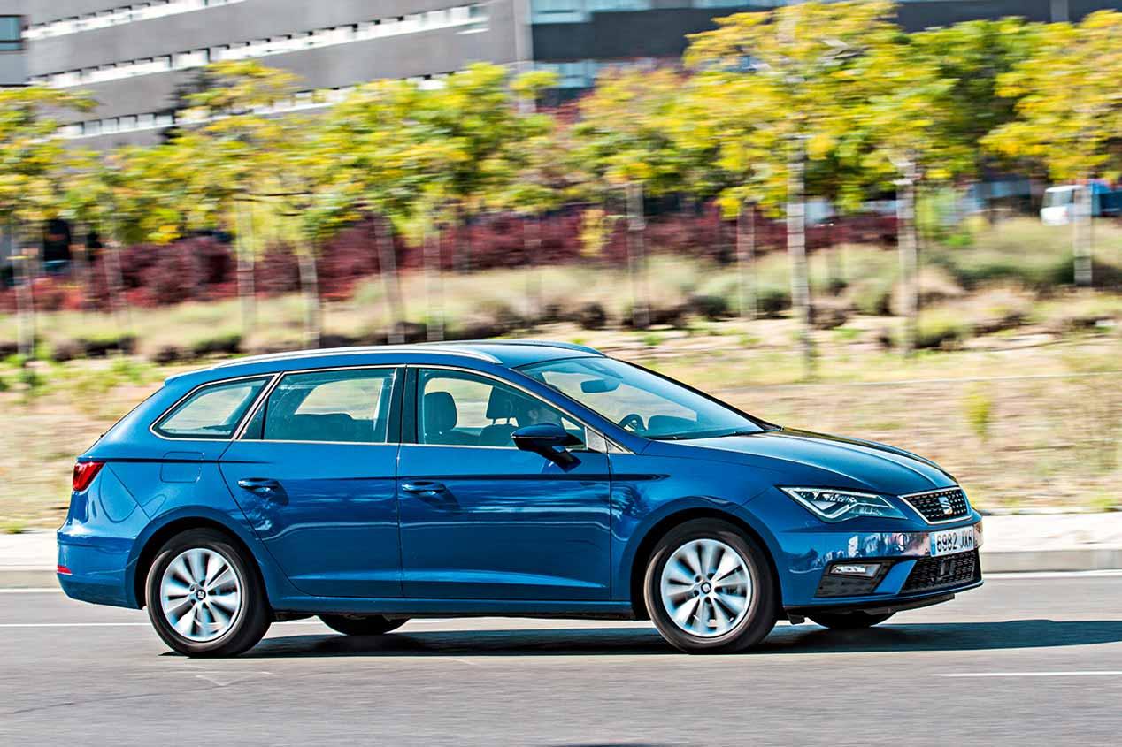 Comparamos el Seat León TGI bi-fuel de gas y el Toyota Auris híbrido