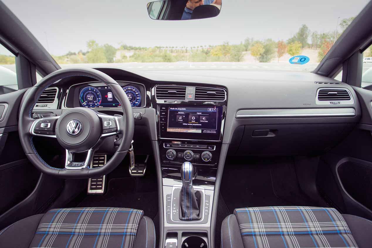 A prueba los Audi A3 e-tron, Mini Countryman S E y VW Golf GTE