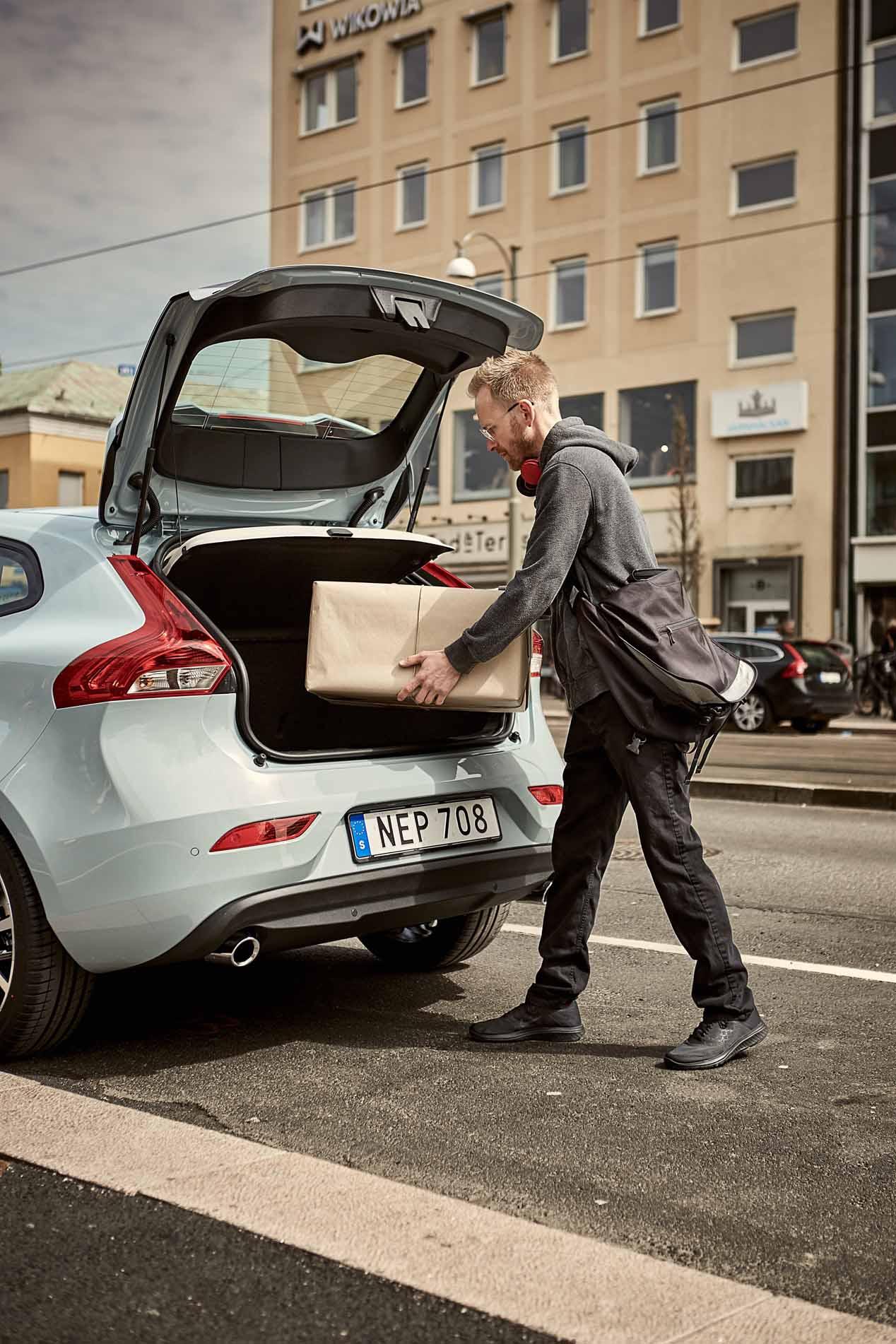 Los fabricantes de coches abren tu maletero para recoger pedidos