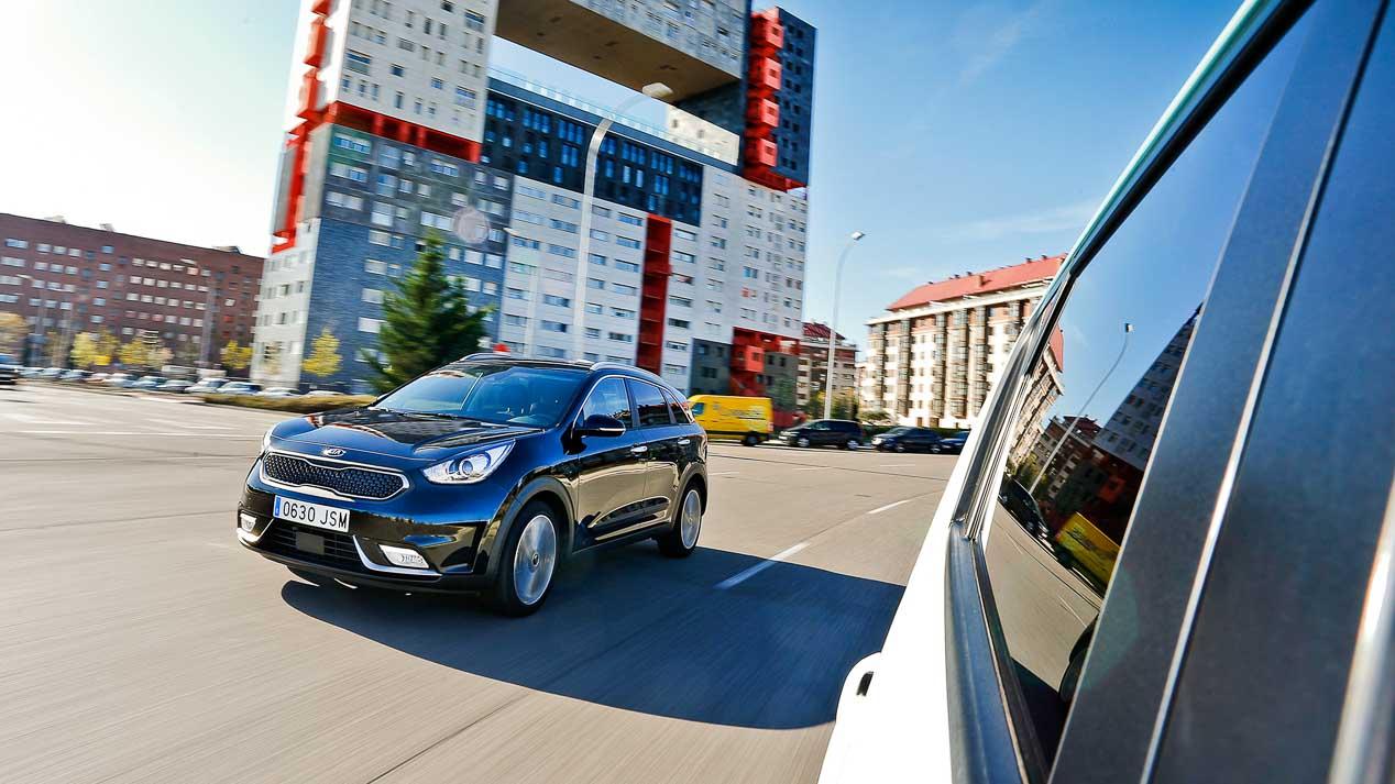 Kia Niro vs Kia Soul EV: ¿qué es mejor, un SUV híbrido o eléctrico?