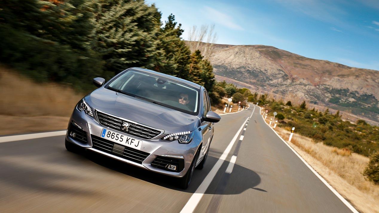 Opel Astra 1.6 CDTi, Peugeot 308 1.5 BlueHDi, Renault Mégane 1.6 dCi, Seat León 1.6 TDI, Volkswagen Golf 1.6 TDI ¿cuál es mejor?