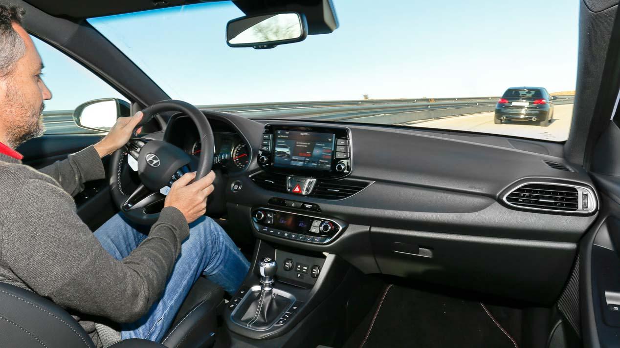 Hyundai i30 N vs Peugeot 308 GTI