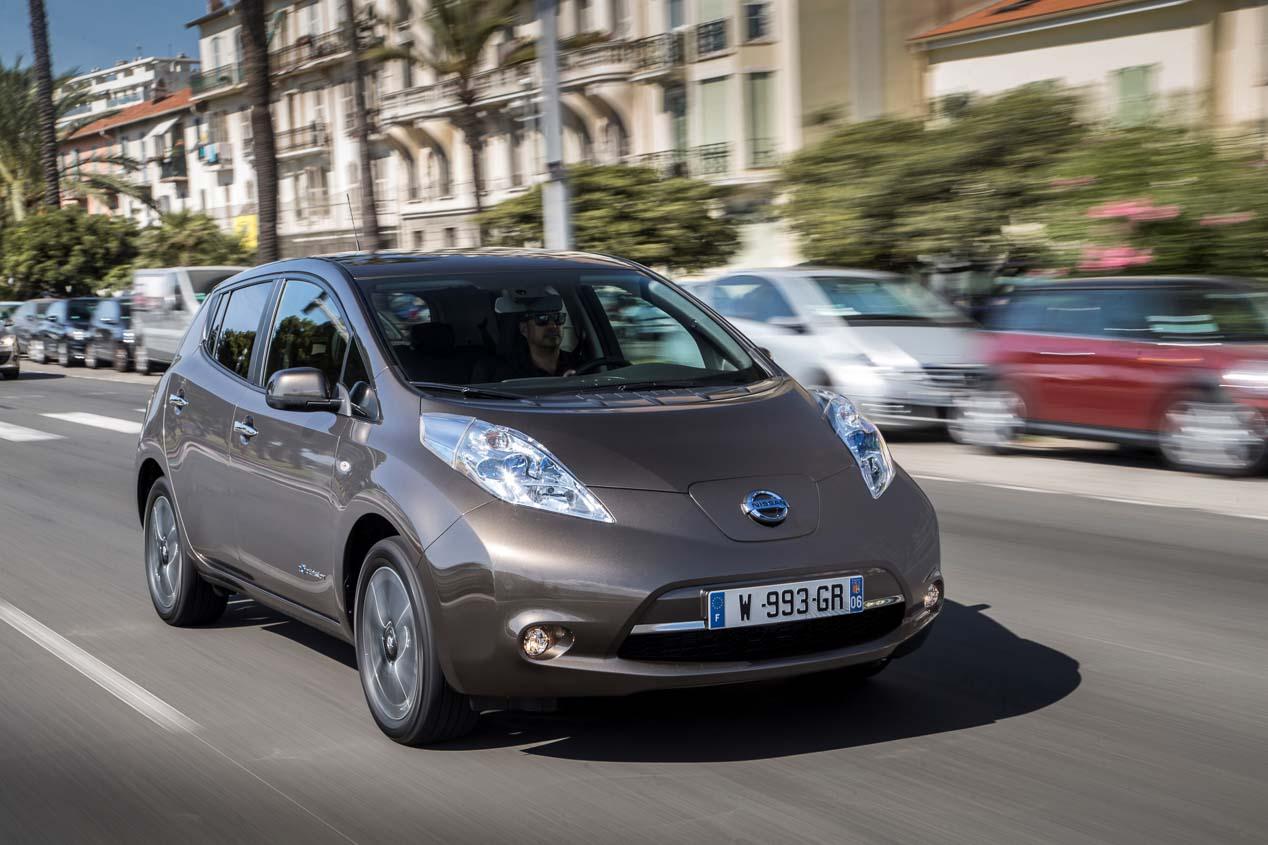 Los coches eléctricos, al alza. ¿Cómo acertar con el seguro?
