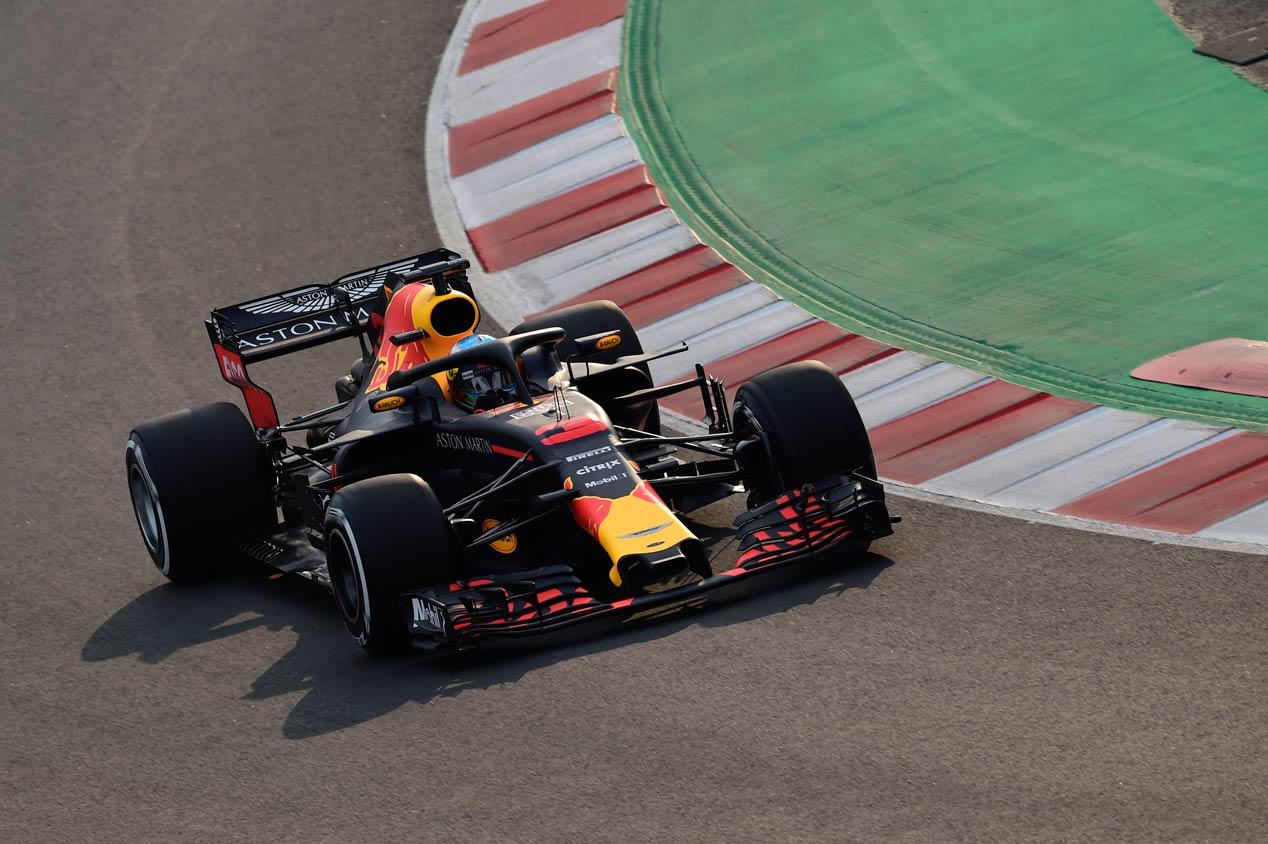 Las mejores imágenes de los primeros test de pretemporada de F1 (lunes)