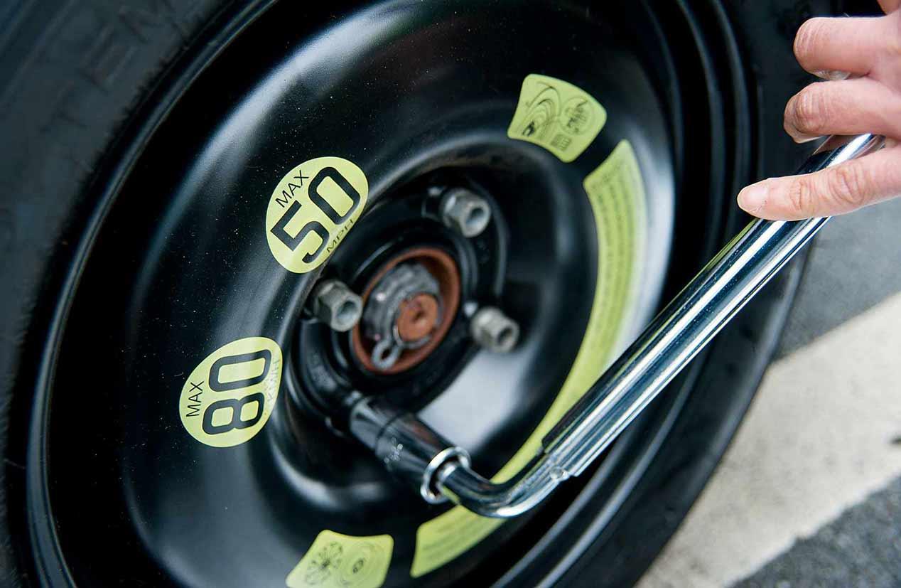 Neumáticos Runflat, rueda de emergencia y kit reparapinchazos: ¿son útiles?