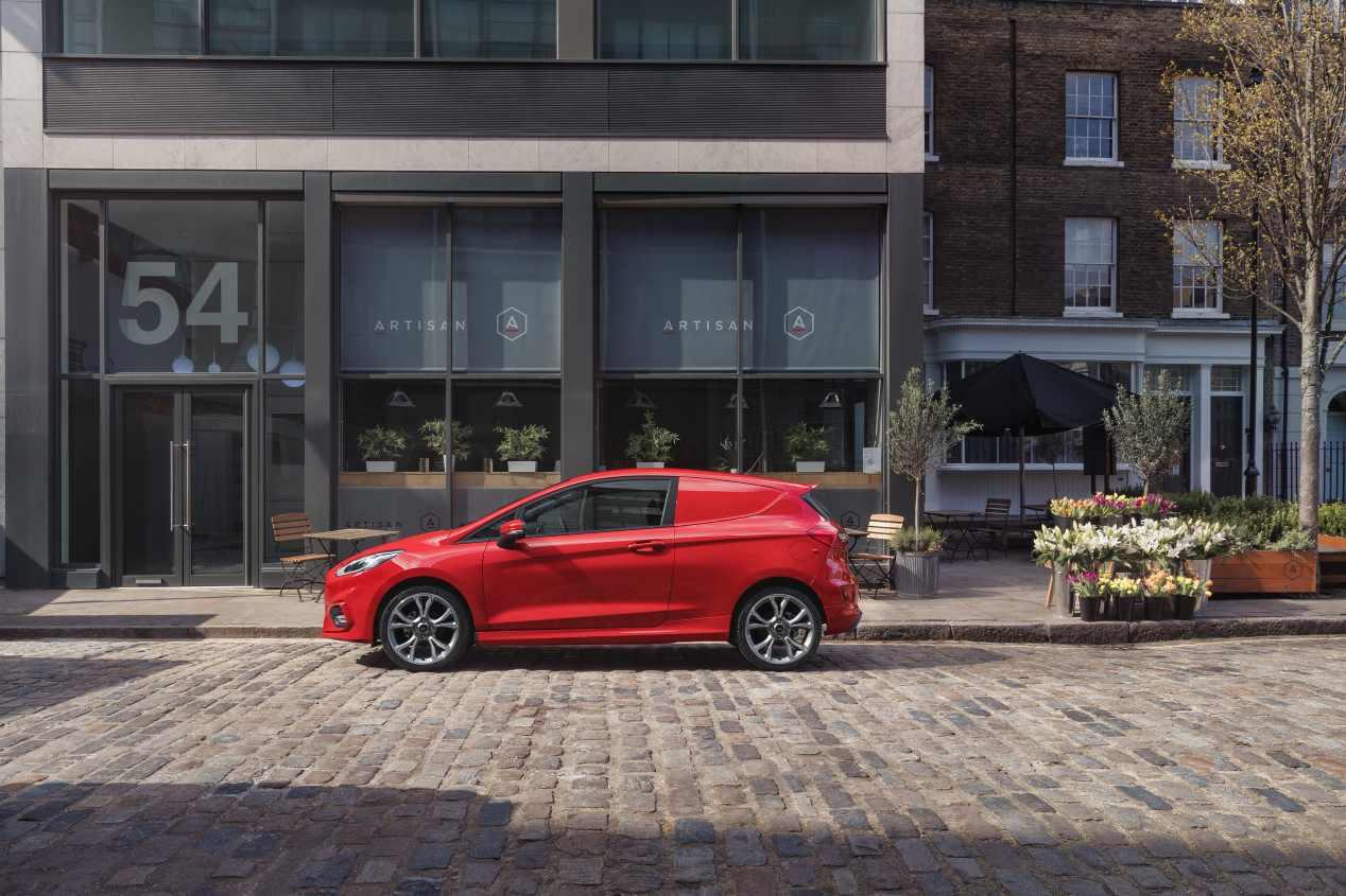 Así es el nuevo Ford Fiesta Van 2018