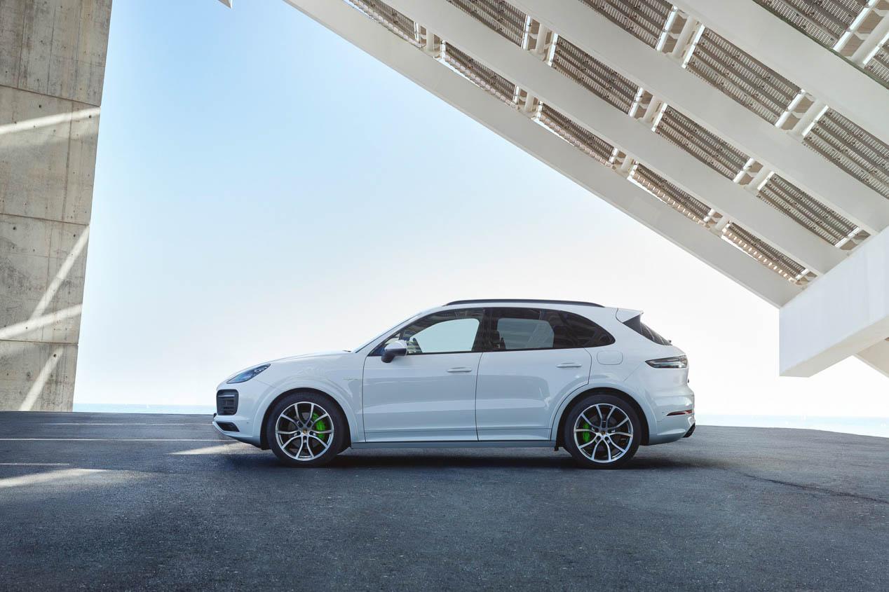La versión híbrida convierte en más ecológico al Porsche Cayenne