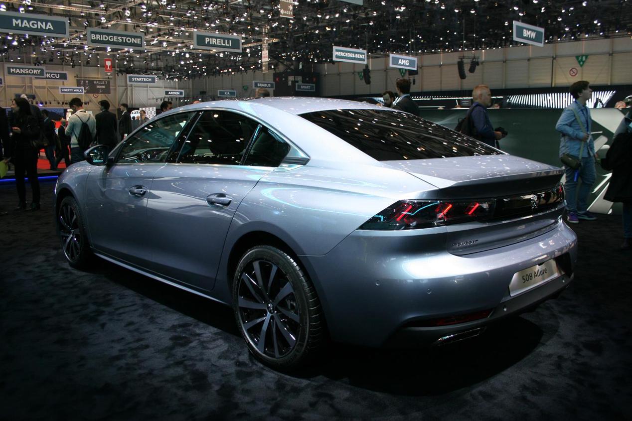 Mazda 6 vs Peugeot 508: duelo de berlinas