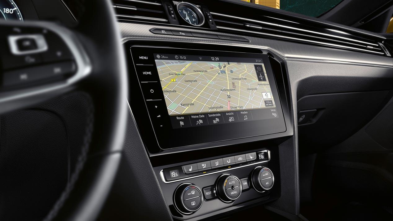 Ford Mondeo 2019 vs VW Passat 2019: nuevo duelo de berlinas