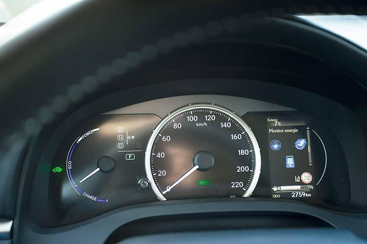 A prueba el BMW 116d y el Lexus CT 200h