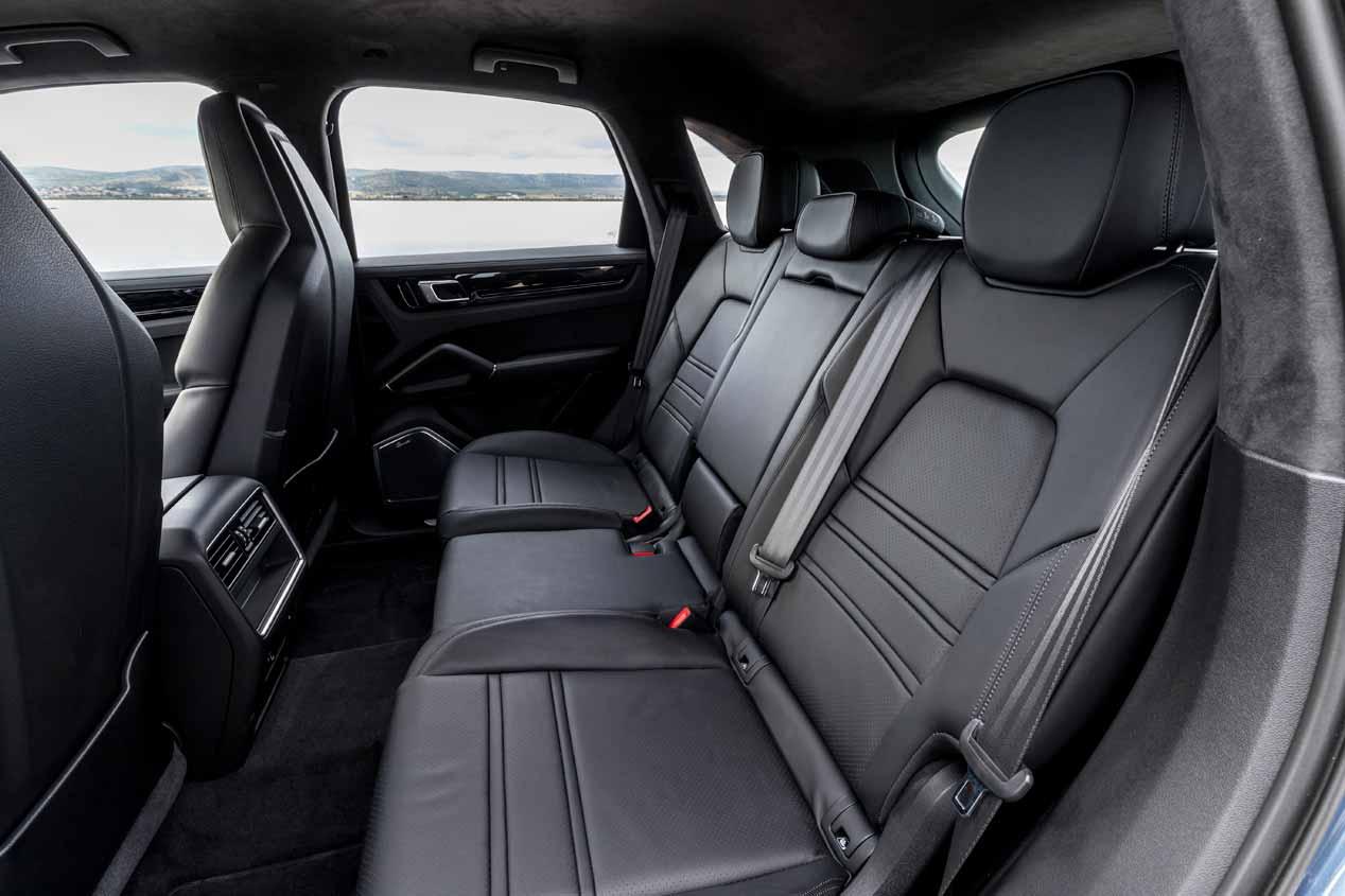 Al volante del Porsche Cayenne E-Hybrid