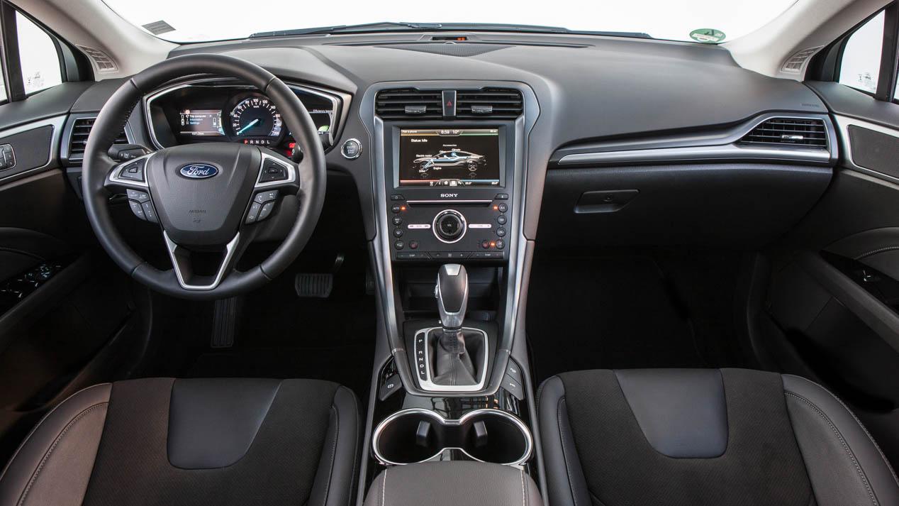 Ford Mondeo 2019: la berlina llega mucho más equipada