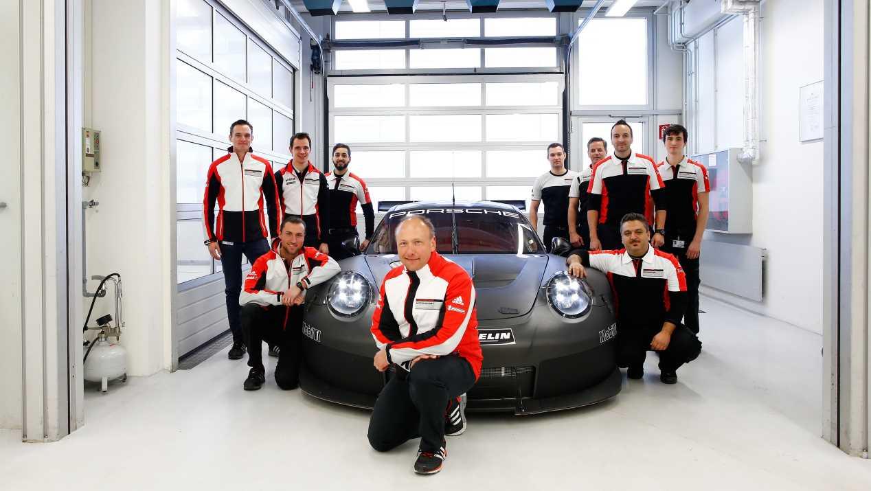 Así se crea el Porsche 911 RSR de Le Mans
