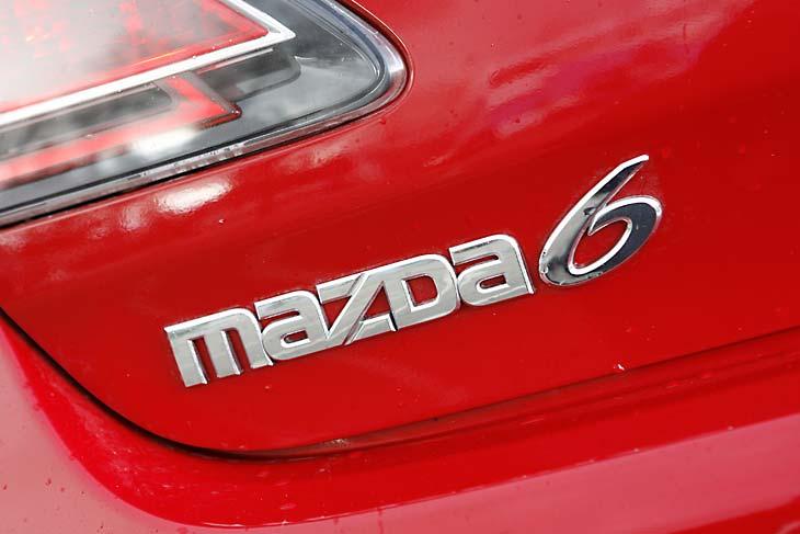 Mazda6 y Opel Insignia: interiores