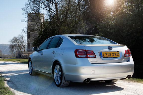 Lexus actualiza el GS 450h