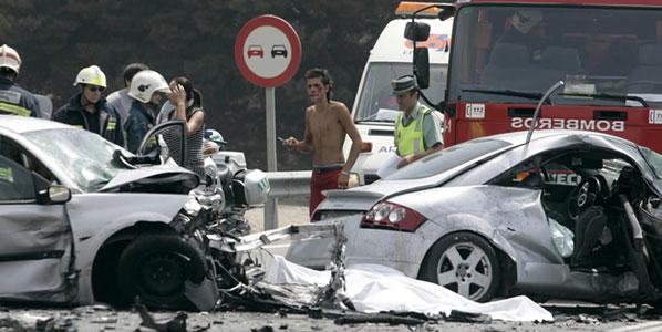 31 personas fallecen en el puente de la Asunción