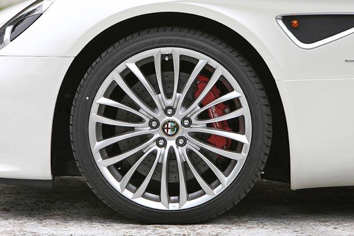 Alfa 8C Spider: detalles