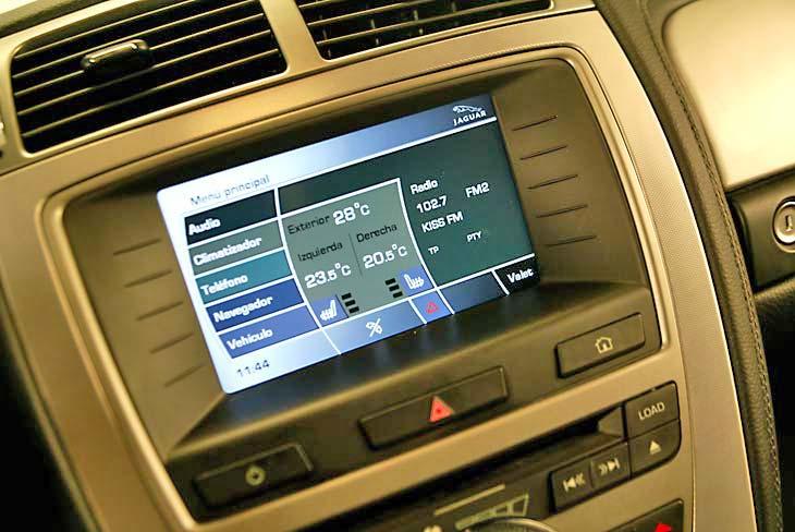 Jaguar XK detalles