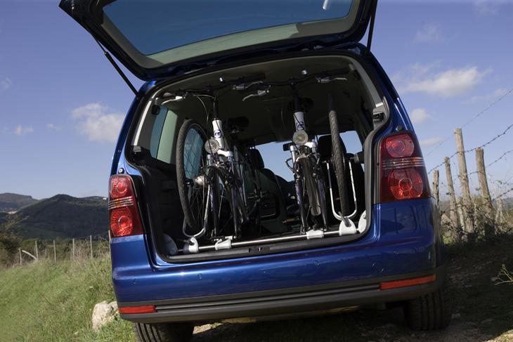 Volkswagen Touran: mucho espacio en el maletero.