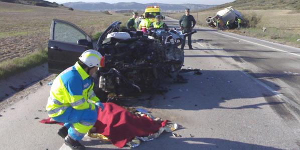16 personas fallecieron en las carreteras