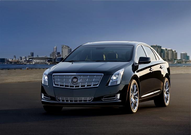 Cadillac XTS 2013.