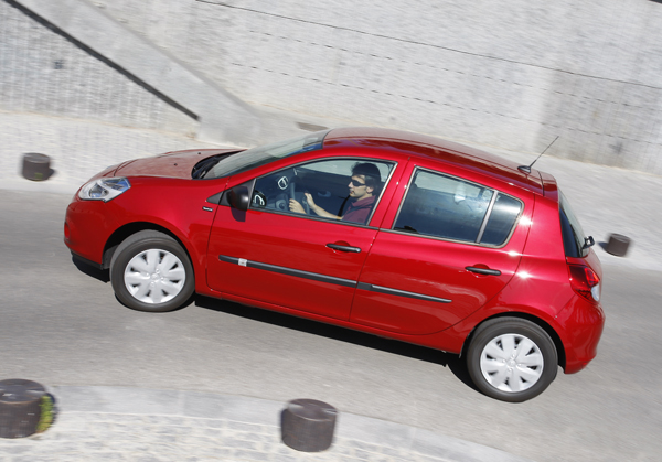 Renault Clio 1.5 dCi Yahoo vs Skoda Fabia 1.6 TDI Young