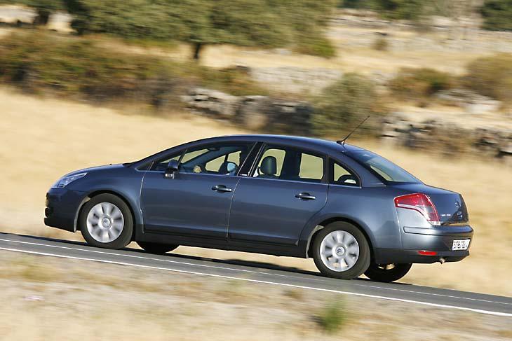 Chevrolet Cruze 2.0D LS contra Citroën C4 1.6 HDI
