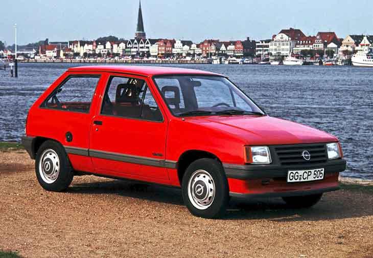 Opel Corsa Luxe (1990).