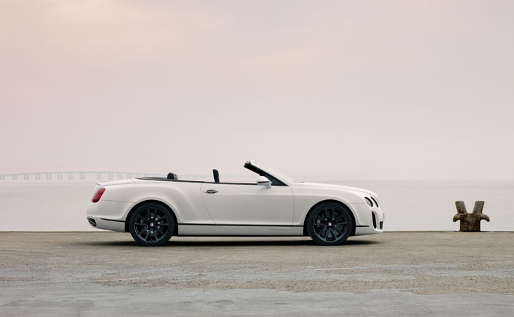 Bentley Continental Supersports Convertible, un descapotable de cuatro asientos y 630 CV.