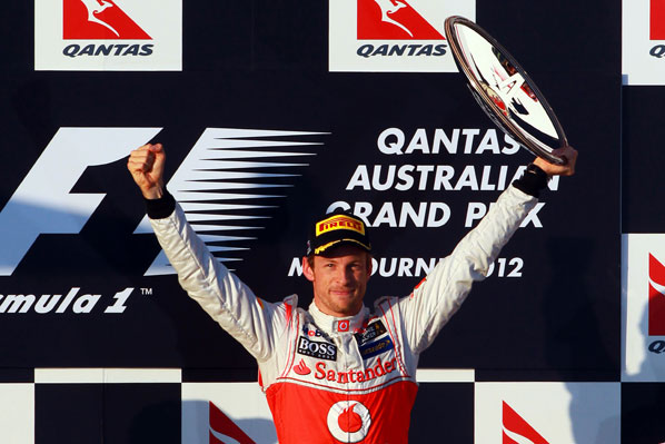 Paseo de Button en Melbourne; Alonso 5º