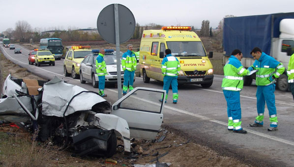 13 personas fallecen en las carreteras