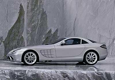 Mercedes llama a revisión al SLR Mclaren