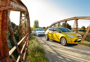 Ford Focus 1.6 Ecoboost vs VW Golf 1.4 TSi