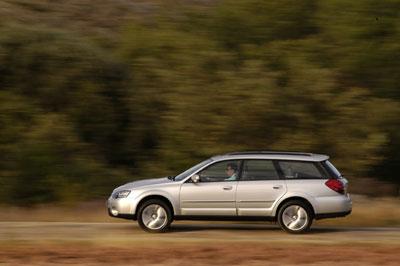 Subaru Outback 2.5i y 3.0 R