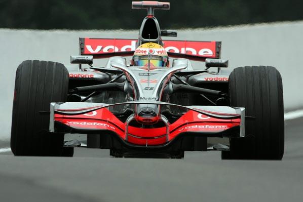 Los F1, ¿con faros?